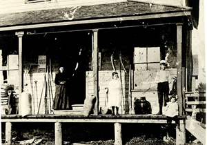 1908 Barkway Store Mrs Jim Post, Ada, Percy and Pearl Nichols