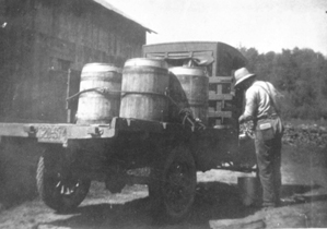 1922 gathering cream for Eldon Creamery
