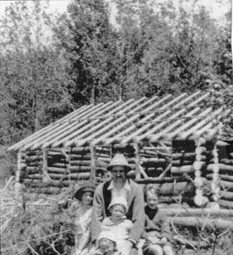 Gordon Hill log cabin Kahshe Lake early 1900s
